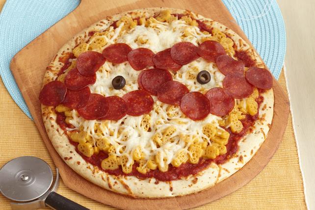Minion Mac 'n Cheese Pizza Image 1