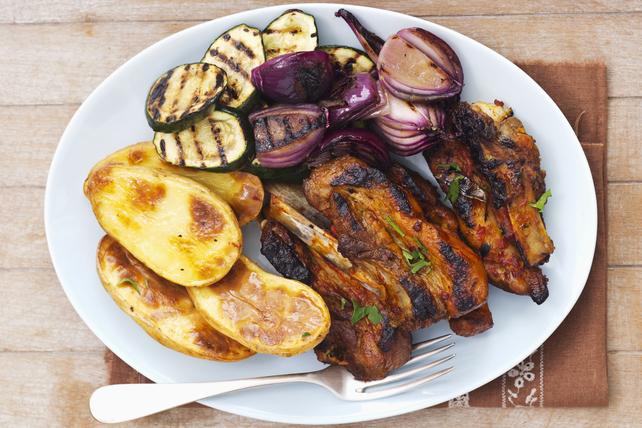 Côtes levées de dos barbecue avec légumes grillés Image 1
