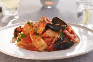 Pappardelle aux fruits de mer en sauce marinara crémeuse