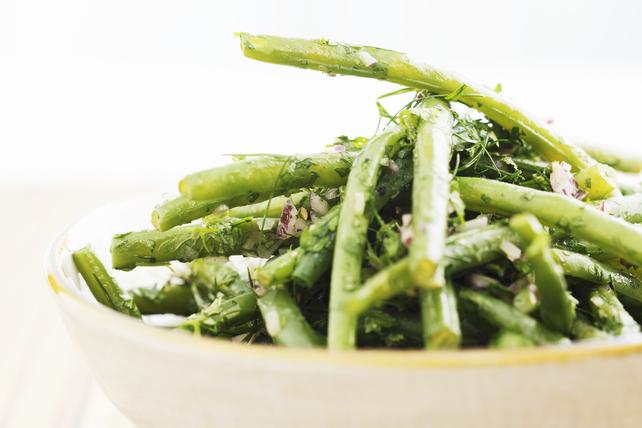 Salade d'aneth et de haricots verts frais Image 1