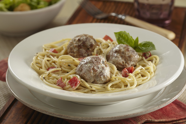 Creamy Pesto Spaghetti with Turkey Meatballs Image 1