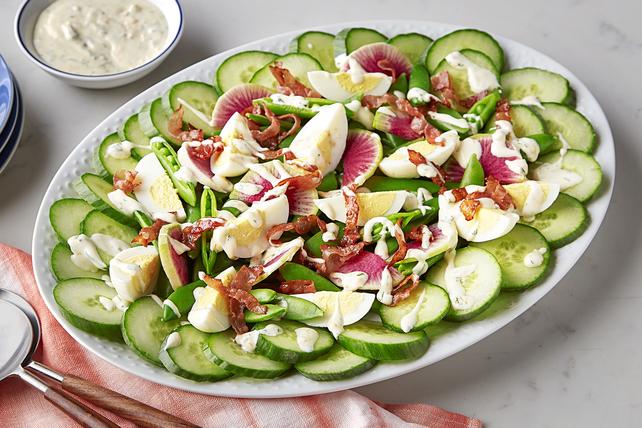 Salade de pois mangetout sucrés, de concombre et de radis Image 1