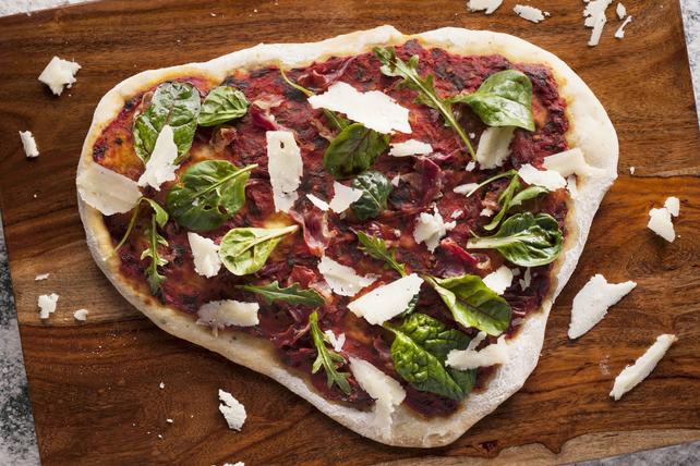 Pain plat au pesto de tomates séchées et au parmesan Image 1