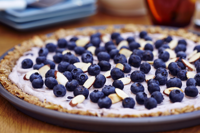 Pizza matinale de granola aux bleuets et aux amandes Image 1