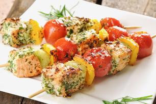 Brochettes de saumon grillé