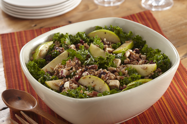 Salade d'automne aux pommes, au chou frisé et à l'épeautre Image 1