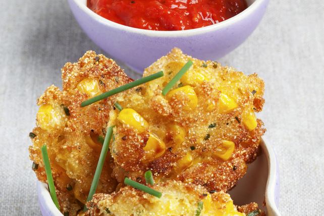 Beignets de maïs croustillants avec sauce marinara  Image 1