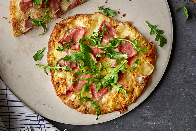 'Prosciutto' and Arugula Flatbread
