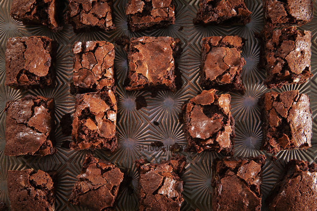 Cocoa Chewy Brownies Image 1