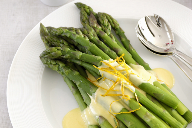 Asparagus with Cheese Sauce Image 1
