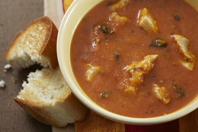Soupe aux tomates, au basilic et au poulet Image 1