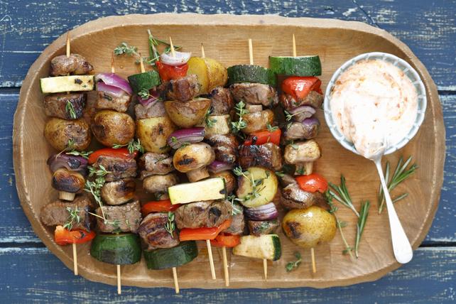Brochettes de bœuf et de légumes grillés Image 1