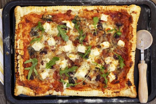 Pizza de pâte feuilletée à la méditerranéenne Image 1