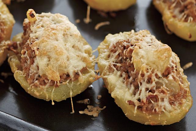 Pommes de terre au four farcies au fromage et au bœuf Image 1
