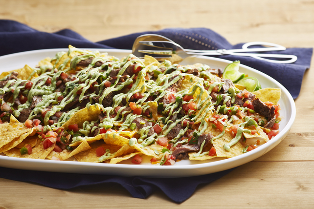 Avocado Crema-Steak Nachos Image 1