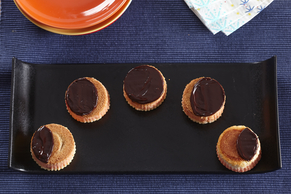 Solar Eclipse Mini Cheesecakes
