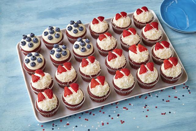 Cupcake Flag Cake Image 1