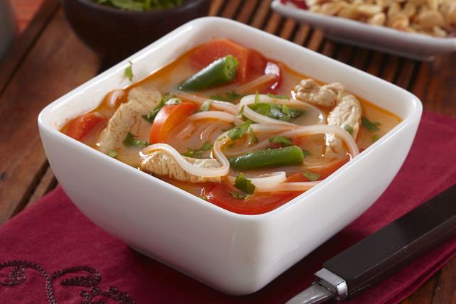 Soupe au poulet et aux nouilles thaïe Image 1