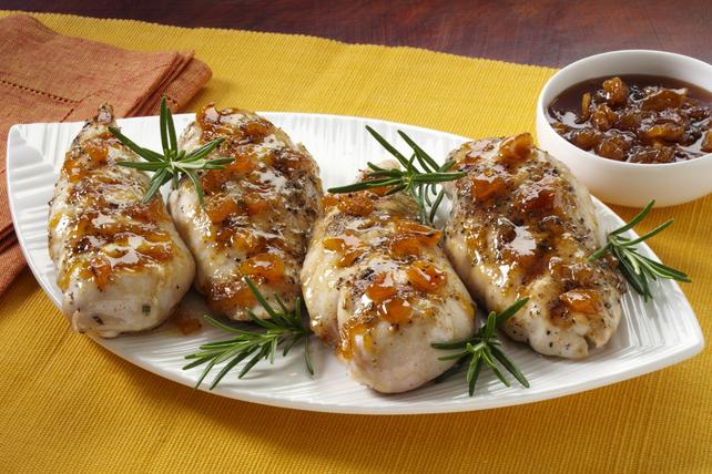Poitrines de poulet au romarin et à la pêche Image 1