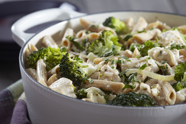 One-Pot Creamy Broccoli-Chicken Pasta Image 1