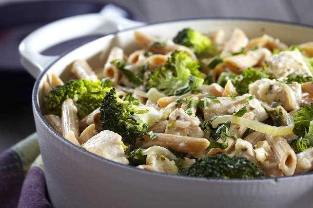 Casserole de pâtes crémeuses au poulet et au brocoli Image 1