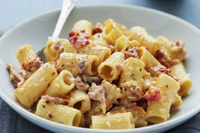 Rigatoni with Bacon and Spicy Cream Sauce  Image 1