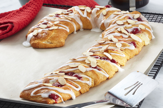 Easy Candy Cane Danish Image 1