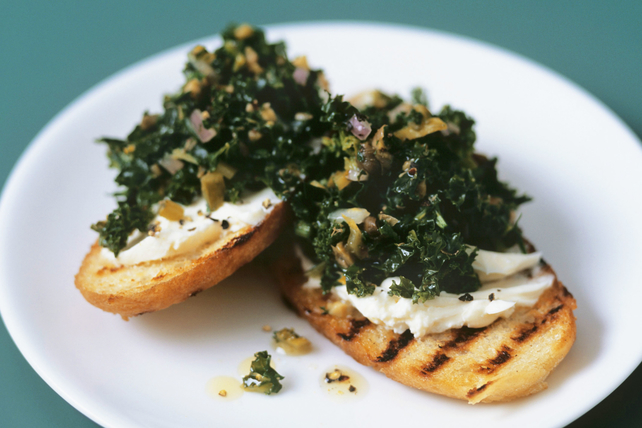 Garlic, Kale and Cheese Crostini Image 1