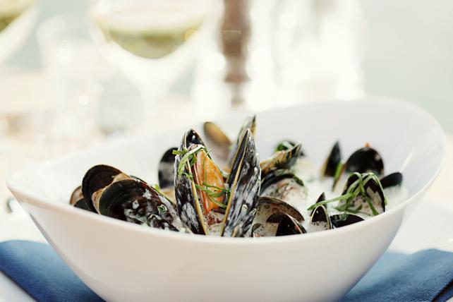 Classic Mussels in a Wine Cream Sauce Image 1