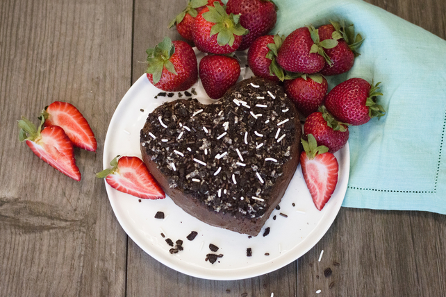 Heart-Shaped Chocolate-Peanut Butter Dip