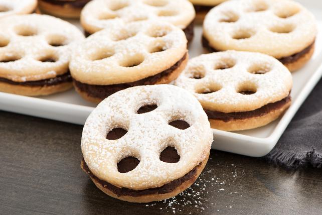 Biscuits-sandwichs en forme de bobine de film Image 1