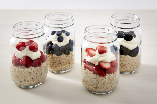 Creamy Berry Overnight Oats Image 1