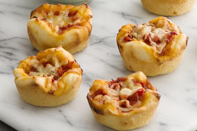 Deep-Dish Muffin Pan Pizzas Image 1