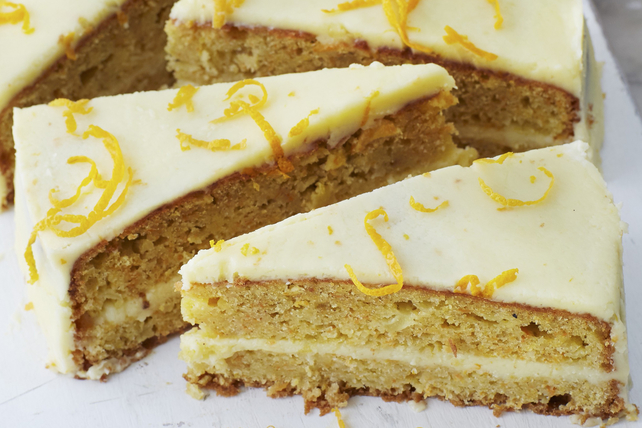 Gâteau aux carottes avec glaçage au fromage à la crème à l'orange Image 1