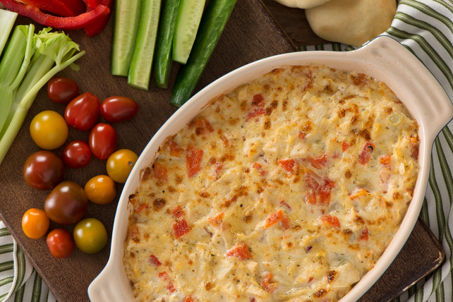 Creamy Red Pepper and Artichoke Dip Image 1