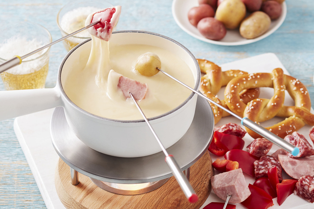 Cheesy Beer Fondue  Image 1