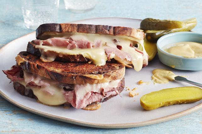 Sandwich au fromage fondant et au smoked meat  Image 1