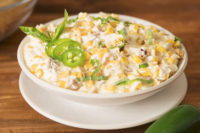 Easy Bacon and Corn Spicy Cheese Dip Image 1