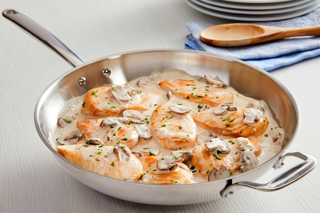 Poêlée de poulet et de champignons Image 1