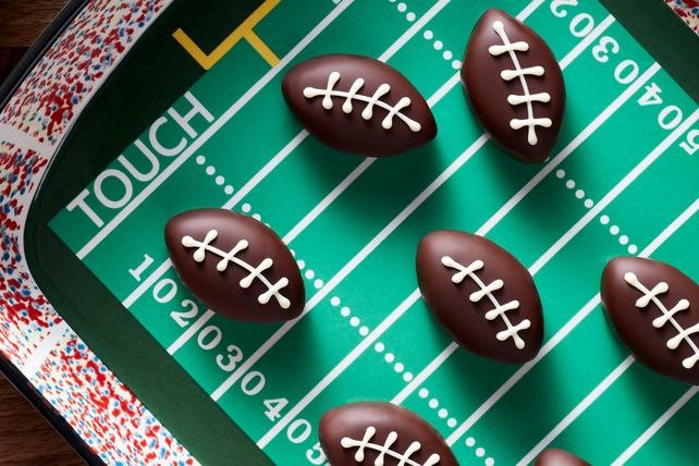 Football Cookie Balls Image 1