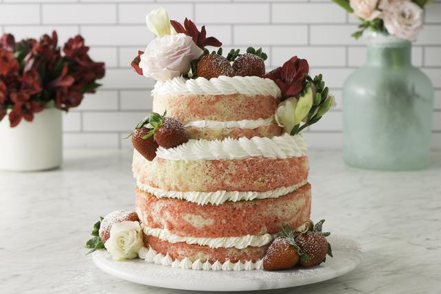Gâteau de mariage marbré aux fraises Image 1