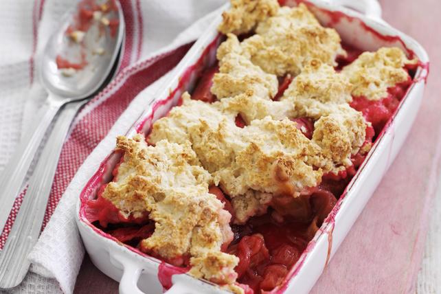Cobbler à la rhubarbe, aux fraises et au gingembre Image 1