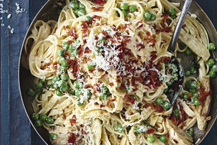 Creamy Fettuccine with Fennel, Peas and Prosciutto