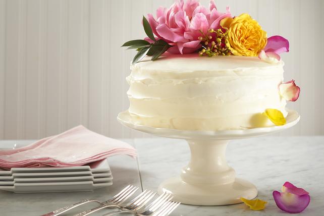Easy Lemon-Elderflower Wedding Cake Image 1