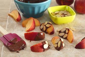 Chocolate-Dipped Peaches