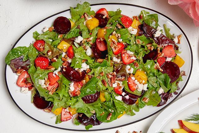 Strawberry, Mango & Beet Salad Image 1