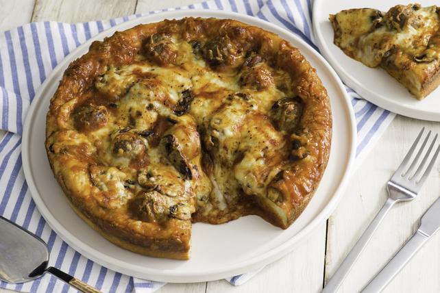 Pizza à croûte épaisse aux boulettes de viande à cinqingrédients Image 1