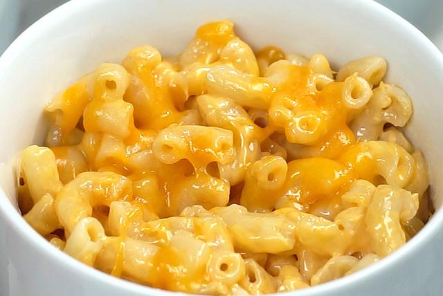 Macaroni et fromage maison au micro-ondes Image 1