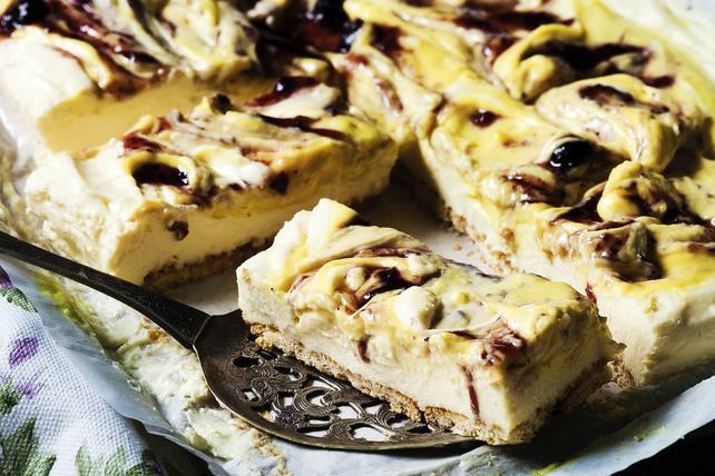 Barres de gâteau au fromage au chocolat et aux framboises Image 1