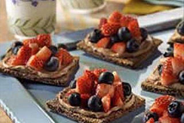 Berry Mocha Creamy Grahams Image 1